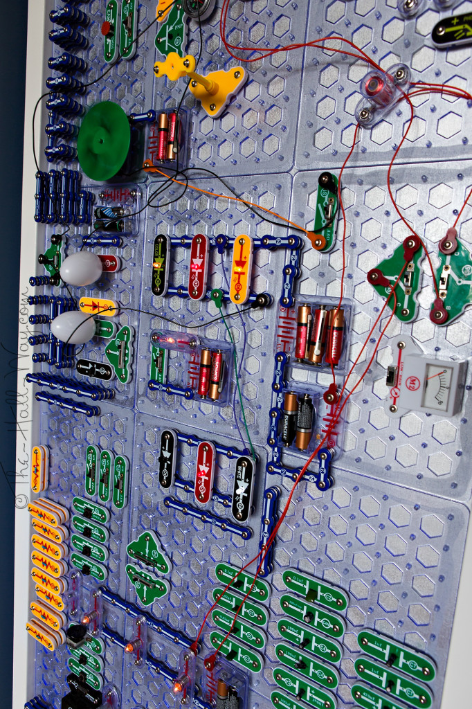 Elenco Snap Circuits Wall