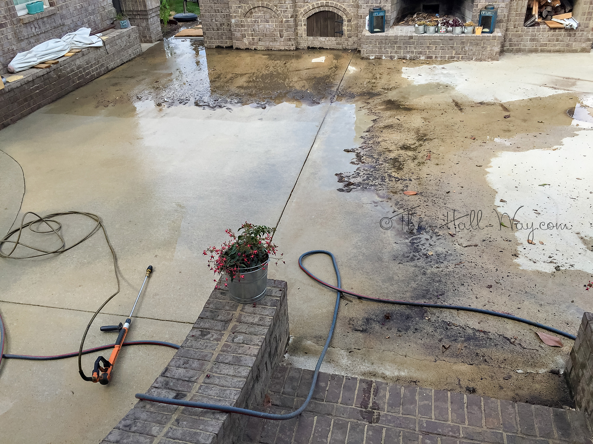 Diy concrete acid stain the hall way for Acid wash concrete patio